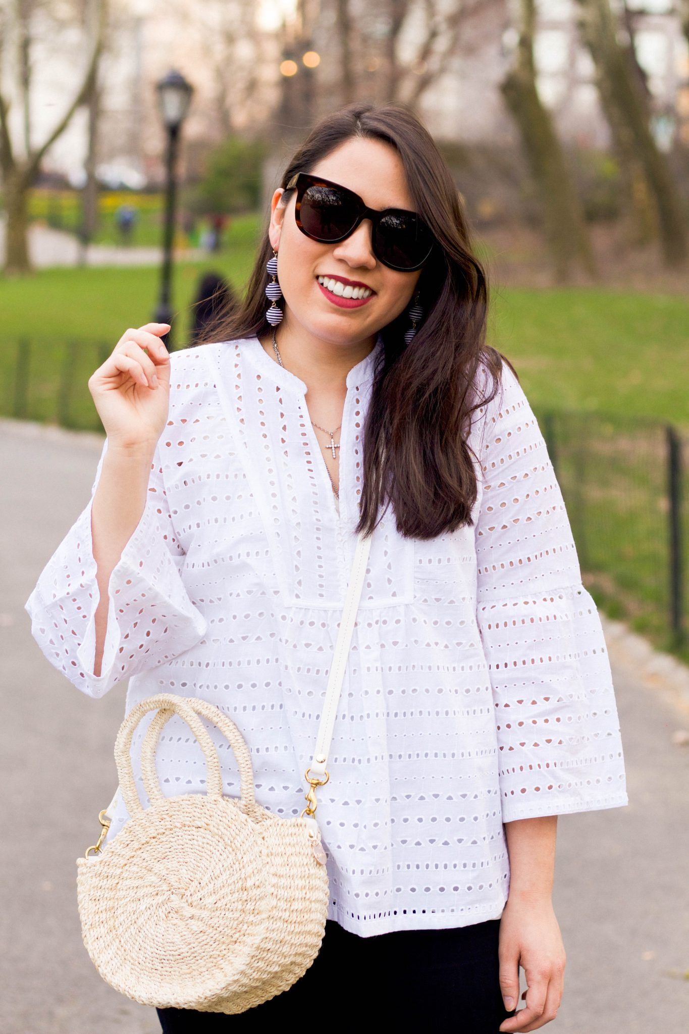 Turning The Tables || How To Be A Great Intern Manager featured by popular New York lifestyle blogger, Live Laugh Linda