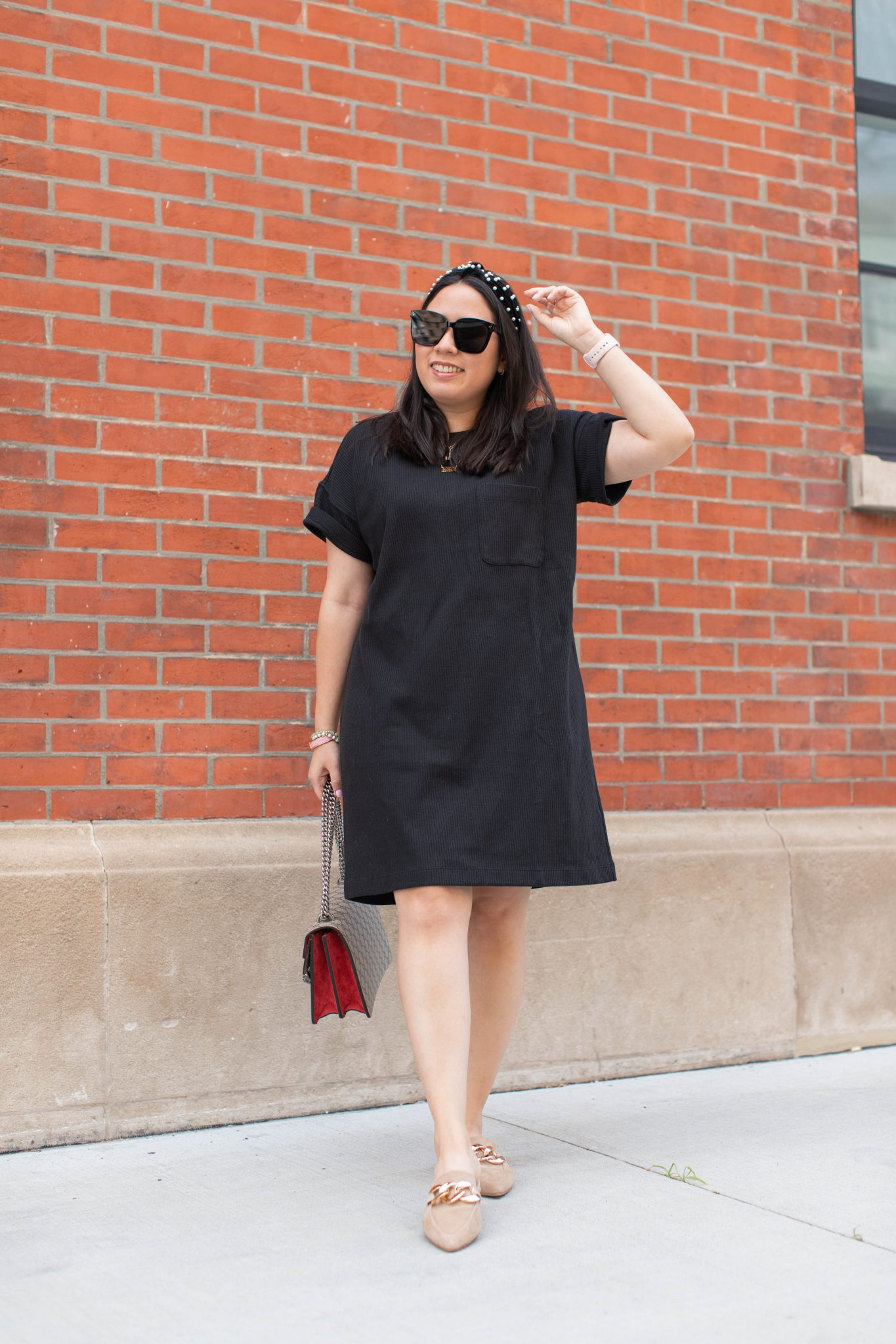 Nordstrom Anniversary Sale 2021 Haul by Basically A Mess (woman Madewell T-shirt dress. Styling a t-shirt dress. Styling a black dress)